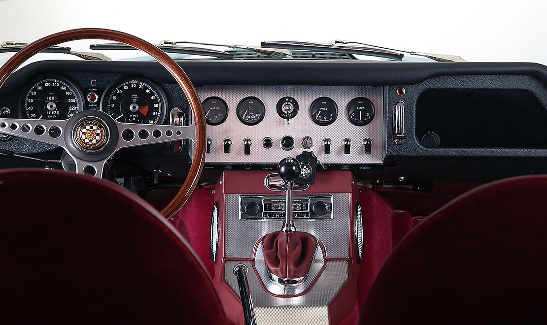 Processus Retro Roadster : Les finitions intérieures